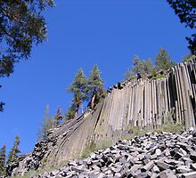Devil's Postpile - A second view by Luke Brannon