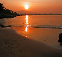 Langkawi Sunrise_2 by Graham Taylor