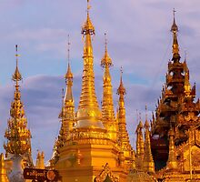 Shwedagon Pagoda Yangon by darkydoors