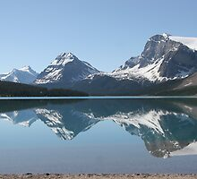 Bow Lake, Icefields Parkway, Alberta, Canada by Silvoto