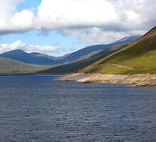 Loch Glascarnoch Dam by jacqi