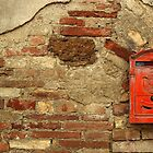 Mail Box, Tuscany, Italy by fauselr
