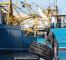 Fremantle Fishing Harbour by kalaryder