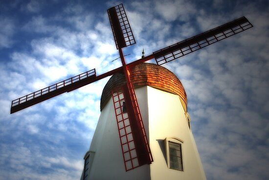 Windmill by CarolM