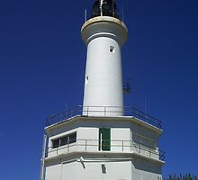 Lighthouse at Point Lonsdale, Victoria. by Sarah Fridd