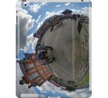Verbal Arts Centre on the Walls of Derry iPad Case/Skin