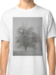 Lone tree in the snow Classic T-Shirt