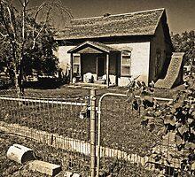 Little House on Arrowhead Trail by jansnow