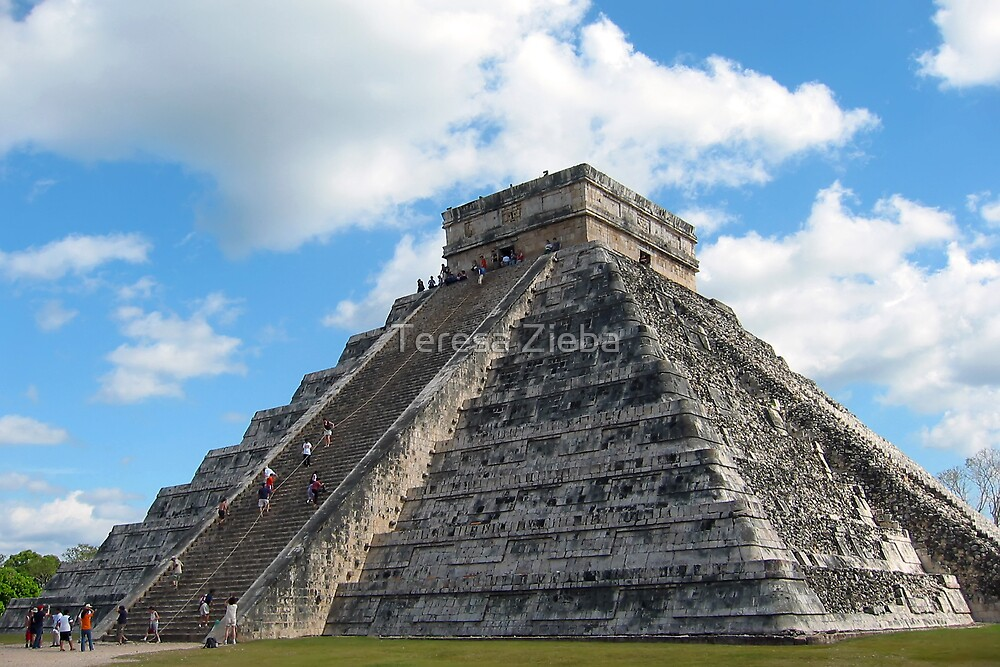 Chichen Itza - The Castillo by Teresa Zieba
