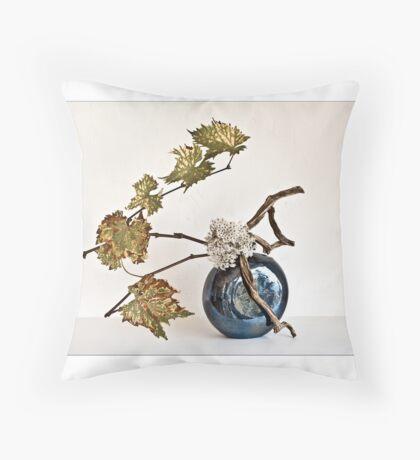 Ikebana-090 Greeting Card Throw Pillow