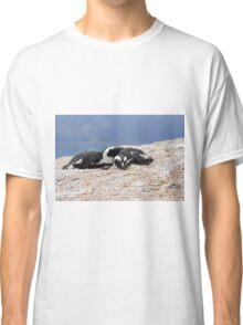 Close Bonds Classic T-Shirt