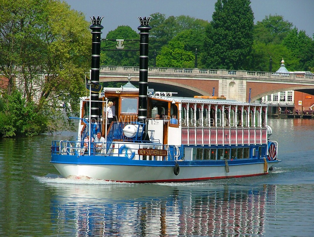 Southern Belle on the Thames by Colin  Williams Photography