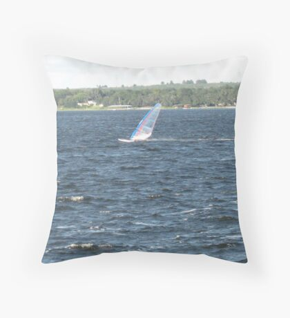 Sailing in the wind Throw Pillow