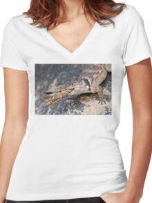 Crevice Lizard vs Grasshopper Women's Fitted V-Neck T-Shirt