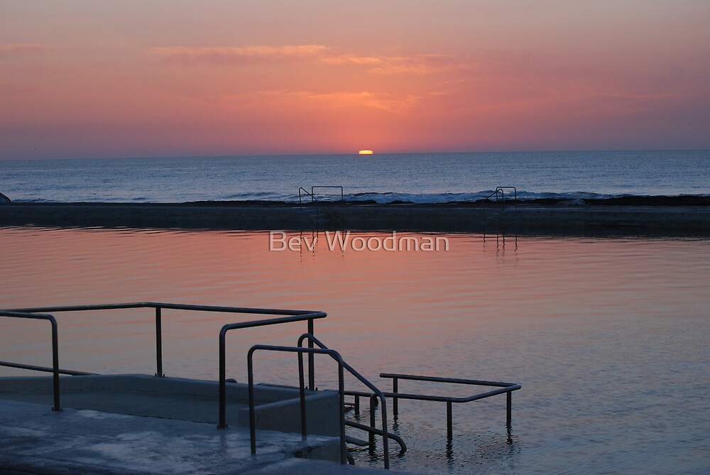 Sunrise Newcastle Baths by Bev Woodman