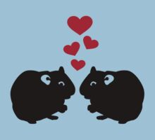 Hamster love red hearts Kids Tee