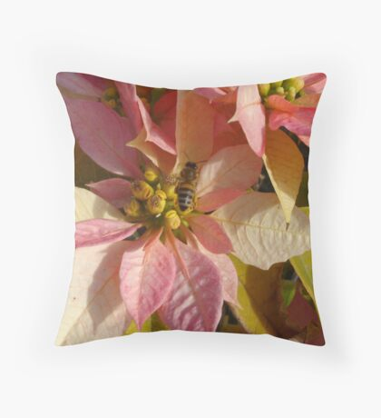Middle Bee Throw Pillow