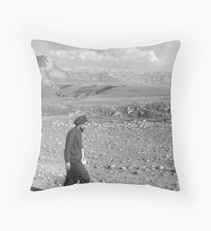 AMER SAHEB E SHAHID Throw Pillow