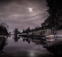 Middlewich Canal Night Shoot by outlawalien