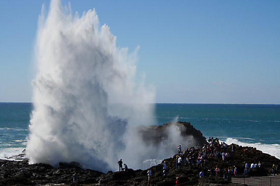 Crashing Wave At Kiama by Evita