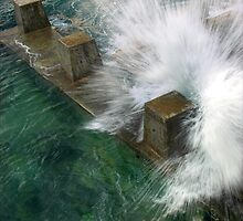 Coogee splash by Geraldine Lefoe