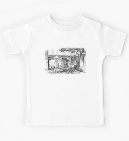 cats in the junk yard Kids Tee
