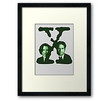 X-FILES - Scully & Mulder (green) Framed Print