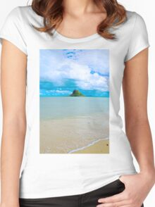 Chinaman's Hat island, east shore , Oahu, Hawaii, USA Women's Fitted Scoop T-Shirt