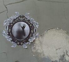 Street art mirror woman Paris by boldoflorine