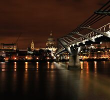 Millennium Bridge at Night - Other side by Lea Valley Photographic