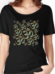 OM repetition, in beautiful gold and diamonds design Women's Relaxed Fit T-Shirt