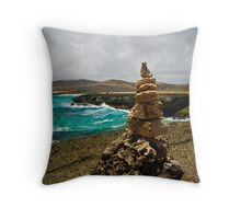 Monument at the fallen arch Throw Pillow