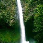 La Fortuna Waterfall (catarata), Costa Rica by Guy Tschiderer
