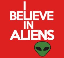I believe in aliens Kids Clothes
