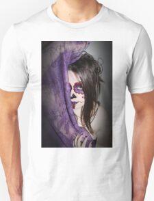 Illusions are evil Unisex T-Shirt