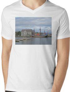 Pictou Harbour Mens V-Neck T-Shirt