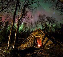 Aurora over a Sami Roundhouse by CrimsonSkyPhoto