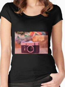Old retro camera Women's Fitted Scoop T-Shirt