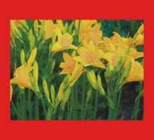 Yellow Lily in the garden Kids Tee