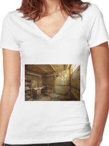 My sleeping Karma Women's Fitted V-Neck T-Shirt