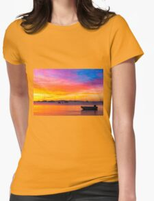 Amazing sunset on the ocean T-Shirt