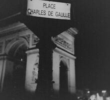 Place Charles de Gaulle Arc de Triomphe Paris Champs Elysees Lomo LCA lomographic analog film photograph 35mm by edwardolive