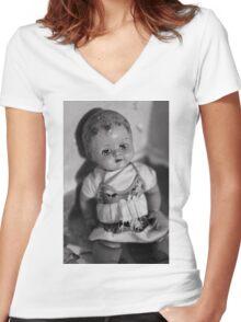 Broken doll p3 Women's Fitted V-Neck T-Shirt