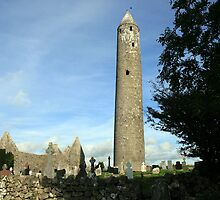 Kilmacduagh round tower 2 by John Quinn
