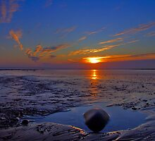 Beach rock pool by Ray Smith