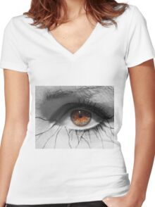 Perception Women's Fitted V-Neck T-Shirt