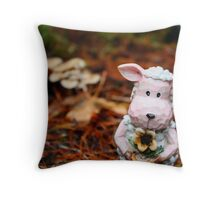 A friend with flowers Throw Pillow