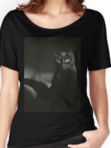 Film noir portrait of black cat Hasselblad square medium format film analogue photograph handmade darkroom print Women's Relaxed Fit T-Shirt