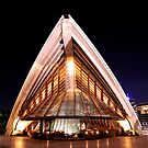 Back of Bennelong by Gino Iori