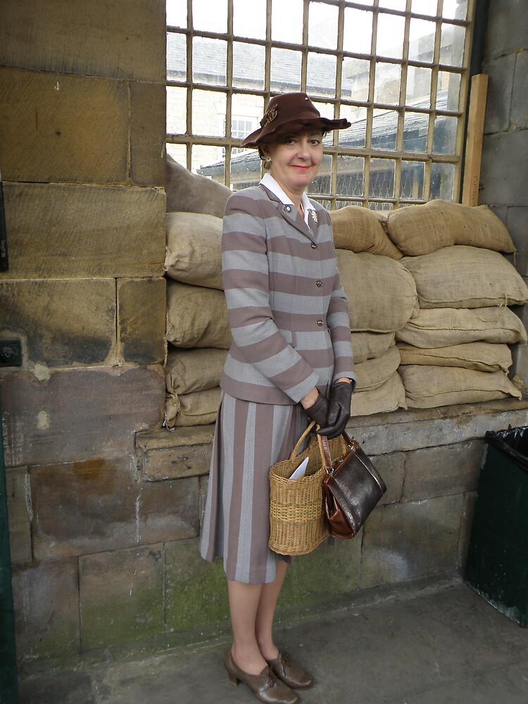 1940's Fashion (2) by Edward Denyer